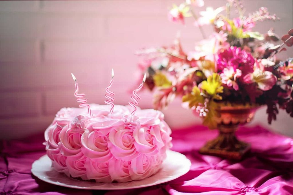 3 Smart Tips To Make Her Birthday Special