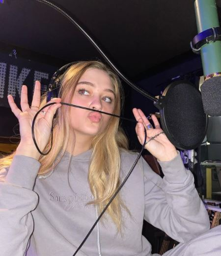 Lizzy Greene Format Phone number and Contact Details